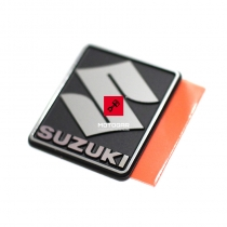 Znak, emblemat, logo Suzuki GSX GSX-R GSF AN VZ VL [OEM: 6828135F00]
