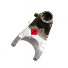 Centralny wodzik skrzyni biegów Suzuki CR 125 [OEM: 24231KZ4000]