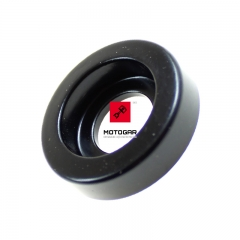 Tuleja guma mocowania baku Kawasaki Ninja ZX6R 2005-2006 [OEM: 922000197]