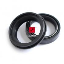 Zestaw uszczelniaczy przedniego zawieszenia Honda CBR 600 1000 GL 1500 VT ST 1100 VF 750 [OEM: 51490MN8305]