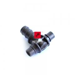 Trójnik układu paliwa, gaźników Suzuki GS 500 GSX 600 750 GSX-R 750 1100 [OEM: 1368544B00]