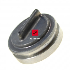 Zatyczka zaworu wydechowego Suzuki RM 125 250 RMX 250 [OEM: 1125827C01]
