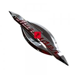 Emblemat baku Suzuki VZ 800 Marauder 1997-2000 prawy [OEM: 6811148E20]