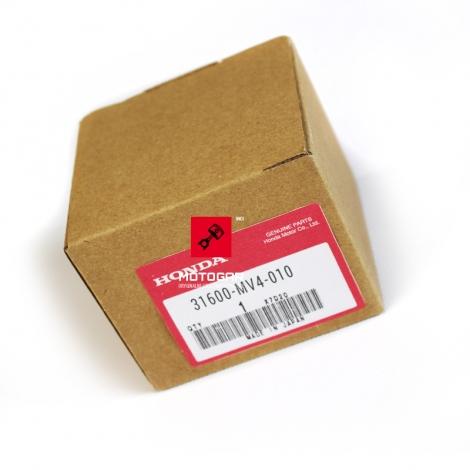 Regulator napięcia Honda CBR 600 900 VT 750 [OEM: 31600MV4010]